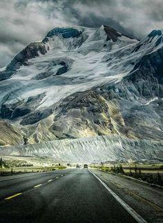Alberta Winter Vacation Icefields Parkway, Alberta...