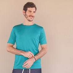 Feita em malha leve, com 91% modal e 9% de elastano, essa camiseta é como um abraço. Ecologicamente produzida a partir da celulose encontrada na madeira, ela é livre de substâncias nocivas e não causa irritação da pele. #Bloe