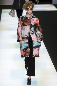 Giorgio Armani Fall 2016 Ready-to-Wear Fashion Show