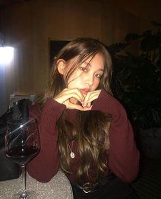 cute girl ulzzang 얼짱 hot fit pretty kawaii adorable beautiful korean japanese asian soft grunge aesthetic 女 女の子 g e o r g i a n a : 人 Korean Girl Short Hair, Korean Girl Cute, Korean Girl Ulzzang, Ulzzang Girl Fashion, Pretty Korean Girls, Asian Cute, Asian Girl, Ulzzang Style, Korean Aesthetic