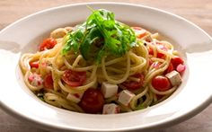 Tomaatti-fetapasta Spaghetti, Koti, Pasta, Ethnic Recipes, Cravings, Noodles, Noodle, Pasta Dishes