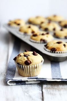 greek yogurt banana muffins