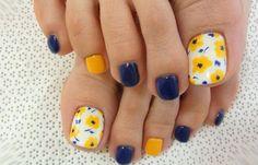 Diseños para uñas de los pies, diseño para uñas delos pies amarillo.  Join to CLUB! #uñasdecoradas #instanails #uñasdeboda
