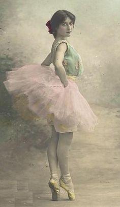 Resultado de imágenes de Google para http://3.bp.blogspot.com/_sl11YrkC5Q8/SxHTGNmvB4I/AAAAAAAAAcw/fklixpwEm6A/s1600/Ballerina_Stock_Vintage_3_by_Lorivi.jpg