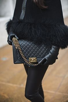 All Black Everything… - Rach Parcell Look Fashion, Fashion Bags, Fashion Accessories, Womens Fashion, Luxury Fashion, Moda Chanel, Channel Bags, Vogue, All Black Everything