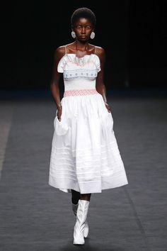 Fresh from Madrid: Celebrations of Color, Craft, and Couture - Vogue Vogue Paris, Vogue India, Madrid, Fashion Week, Fashion Show, Vintage Fashion Photography, Mannequins, Lace Skirt, What To Wear