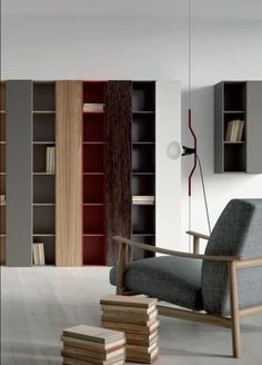 Estantería en tres tonos de madera. Shelving, Bookcase, Home Decor, Weapons Guns, House Decorations, Home, Offices, Space, Shelves
