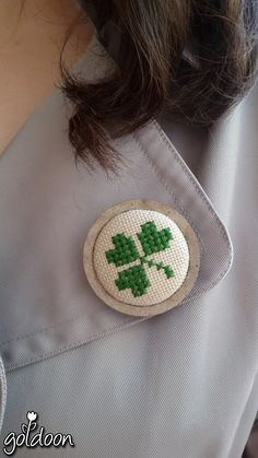 cross stitch brooch-wooden brooch ,handicraft-hand stitch-- www.instagram.com/goldoon.handmade