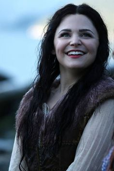 Snow White Smiles in Once Upon a Time Season 3, Episode 6