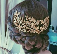 Hair accessory: gold hair adornments wedding hairstyles