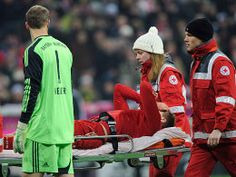 Holger Badstuber injured in 1-1 draw FC Bayern - Borussia Dortmund