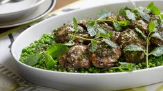 Rump of Lamb with a fresh Mint Sauce Who can resist this classic pairing of lamb with mint? Mint Sauce, Lamb Recipes, Fresh Mint, Food Videos, Poultry, Food And Drink, Lunch, Beef, Vegetables