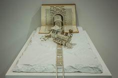 3D Buchskulpturen von Thomas Wightman