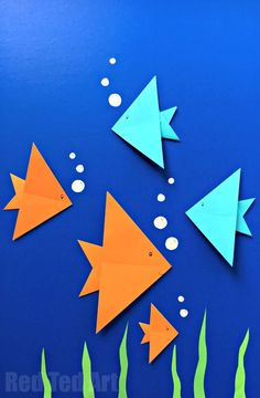 Easy Fish Origami - great for under the ocean scenes and oceans study. Love this Easy Origami for Kids.