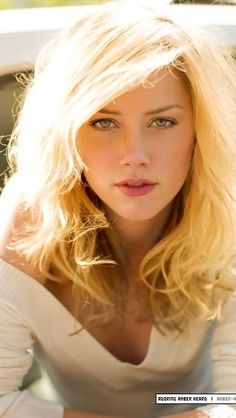 Amber Heard.. Perfect make up She is So darling...right along with her man and my fave man too, Johnny Depp.