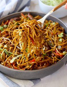 98 Best Chicken Chow Mein Recipe, Chicken Chow Mein, Chicken Chow Mein Recipe, Chicken Chow Mein Noodles, Chicken Chow Mein for Two. Asian Recipes, Healthy Recipes, Ethnic Recipes, Healthy Chow Mein Recipe, Guyanese Recipes, Chicken Chow Mein, Asian Cooking, Mets, International Recipes