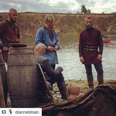 Behind the Scenes Snapshots - and after - 504 Vikings Season 4, Vikings Show, Vikings Tv Series, Lagertha, Ragnar Lothbrok, King Ragnar, Travis Fimmel, Viking Age, History Channel