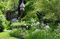 Dering Hall Landscape Garden: Roundhill Cottage, Chichester