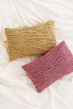 como fazer almofadas coloridas em macramê