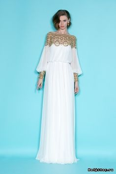 Celebrities who wear, use, or own Marchesa Resort 2012 Gold Embroidered Longsleeve Gown. Also discover the movies, TV shows, and events associated with Marchesa Resort 2012 Gold Embroidered Longsleeve Gown. Vintage Evening Gowns, Evening Dresses, Prom Dresses, Vintage Dress, Chiffon Dresses, Chiffon Scarf, Vintage 70s, Bridesmaid Dresses, Lace Wedding Dress