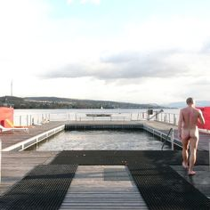 At Seebad Enge you can swim in the Zürisee, rent a SUP board and even visit a sauna (only on Sundays).