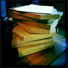 RoughCutBoards beim Ausliefern! Jenga, Wood, Crafts, Manualidades, Woodwind Instrument, Timber Wood, Trees, Handmade Crafts, Craft