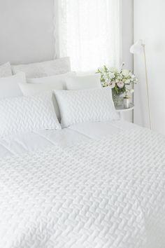 Lennol | BELINDA Cushions, White Home Bedroom, Cushions, Feminine, House, Furniture, Home Decor, Throw Pillows, Women's, Toss Pillows