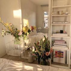 Instagram post by @pearly_interiors • Jun 21, 2020 at 12:28pm UTC Room Ideas Bedroom, Bedroom Decor, Bedroom Inspo, Entryway Decor, My New Room, My Room, Aesthetic Room Decor, Dream Rooms, Dream Bedroom