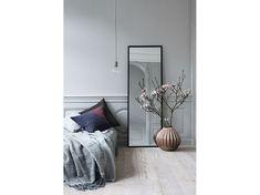 Camera da letto specchio verticale