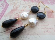 Black onyx earrings, dangle earrings, freshwater pearl earrings, gemstone jewelry, black agate jewellery, black and white earrings, gift by Sofiasbijoux on Etsy