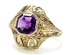 Ornate American Art Deco 14k Yellow Gold And Amethyst Ring  c.1925