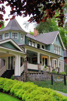 Historic Bed and Breakfast inns in Asheville, North Carolina. Black Walnut Inn. See more: http://www.romanticasheville.com/bedandbreakfast.html