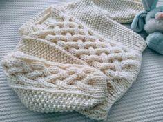 Un Suéter para Niño o Niña, Tutorial Gratis. – TEJIDOS KIRIKIRI Knitted Hats, Crochet Hats, Elsa, Knitting, Accessories, Fashion, Knitting Sweaters, Knitting Patterns, Moda