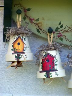 Decorative Birdhouse Bell Ornament / Hand Painted Clay Pot / Painted Birdhouse Accent Attention birdhouse collectors and lovers! I have hand painted small terra cotta pots with birdhouses to make these cute Birdhouse Bells. They are topped with a Clay Flower Pots, Flower Pot Crafts, Clay Pot Crafts, Diy And Crafts, Flower Pot People, Clay Pot People, Decorative Bird Houses, Bird Houses Painted, Painted Birdhouses