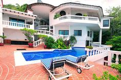 http://www.tropicasa.com/Puerto_vallarta_real_estate_Boca%20de%20Tomatlan_971.html - Think the Italian Riviera, the grand estates of Porto Fino, and you'll have an idea of what is in store for you at Paloma del Mar. With tons of important Carrera marble throughout the property,...