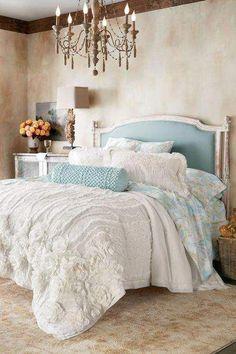 Villandry Floral Quilt- Soft Surroundings White bedding looks like a cloud Vintage Bedding Set, Bedroom Vintage, Vintage Beds, Bedroom Rustic, Luxury Bedding Collections, Luxury Bedding Sets, Best Bedding Sets, White Quilt Bedding, Quilt Bedding Sets