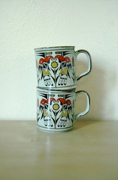 Vintage Mugs / 70's Set of 2 Tribal Bird Cups $18.00 #vintage #kitchen