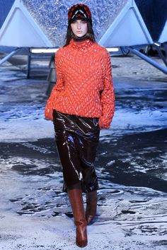 H&M Fall 2015 Runway - Vogue-Paris Fashion Week