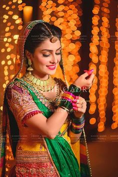 Ayeza Khan In Awesome Mehndi Dress Pakistani Mehndi Dress, Pakistani Models, Pakistani Bridal, Pakistani Dresses, Pakistani Actress, Mehendi, Bengali Bride, Bridal Lehenga, Aiza Khan Wedding