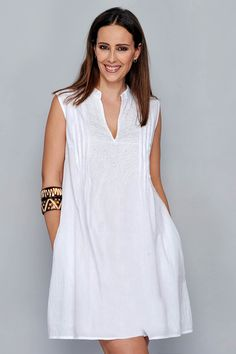 Vestidos Ibiza - H.G - Venta al por Mayor - Hit Tutorial and Ideas Dress Outfits, Casual Dresses, Casual Outfits, Fashion Outfits, Summer Dresses, White Linen Dresses, Cotton Dresses, White Dress, Latest African Fashion Dresses