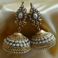 Ornativa Pretty amazing kundan jhumka - Earrings by OrnativaDotCom Stylish Jewelry, Jewelry Accessories, Jewelry Design, Fashion Jewelry, Indian Earrings, Jhumki Earrings, India Jewelry, Temple Jewellery, Gold Jewellery