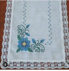 Goncalves, Crochet Bedspread, Cross Stitching, Hand Embroidery, Cross Stitch Patterns, Christmas Crafts, Knitting, Wallpaper, Floral