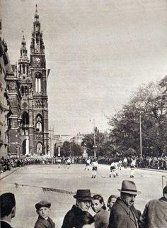 1938: Rollschuhhockey vor dem Wiener Rathaus Old Photographs, Vienna Austria, Hungary, Old World, History, Vintage, Pictures, Concerts, World