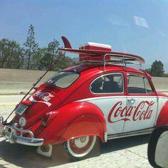 Coca-Cola and the original VW bug! Vintage Coca Cola, Coca Cola Ad, Always Coca Cola, Vw Vintage, Coca Cola Bottles, Wedding Vintage, Combi Ww, Auto Retro, Vw T1