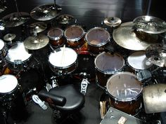 Tama Iron Cobra double pedal, Sabian cymbals, Evans heads, you name it—a great kit.