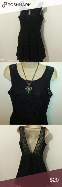 Little black dress 👗 This dress has a lace design all around. Is in good condition. Emerald Sundae Dresses