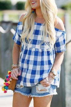 #summer #outfits How Fun Is This $24 Cold-shoulder Gingham Top?! 💙 It Would Be A Perfect Casual Look For The Fourth Of July 🇺🇸