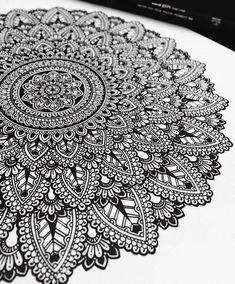 Mandala Drawn and then Painted with Color Themes. By Asmahan Rose Mosleh. Mandala Doodle, Mandala Art Lesson, Mandala Tattoo, Doodle Art, Lotus Tattoo, Tattoo Ink, Mandala Sketch, Mandalas Painting, Mandala Artwork