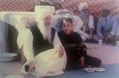 Charan Singh Grewal with his nephew Gurinder Singh Dhillon as a young boy. Cute Baby Dogs, Cute Babies, Radha Soami, Guru Gobind Singh, Smart House, Hindus, Flower Fairies, Mother Quotes, Curries