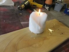 Picture of Waxing wood